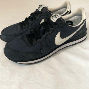 Nike internationalist custom sneaker shoes